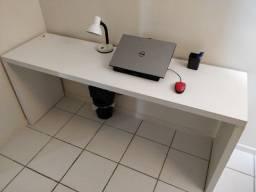 Mesa para escritório em MDF
