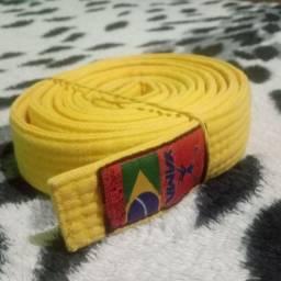 Faixa amarela de Judô usada em ótimo estado