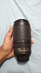 Lente AF-S Nikkor 70-300mm F/4.5-5.6G IF-ED VR Nikon Preta<br><br>