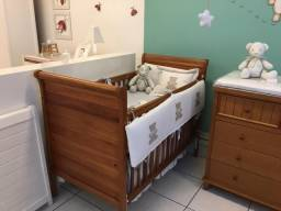 Berço Nina de madeira cor natural, grade móvel e colchão (Seminovo)