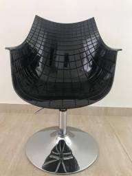 Cadeira Sparta Preta Nova com base em taça
