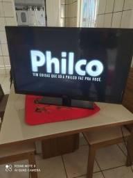 Vendo uma tv de led marca philco muito nova
