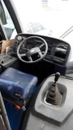 Micro ônibus marcopolo