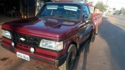 D20 bem conservado. faço negociação em carro baixo de 4 portas - 1995