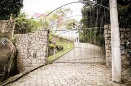 Vende-se casa em Florianópolis