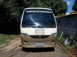 Vendo ou troco micro-ônibus - 2001