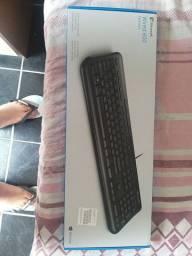 Vendo teclado WIRED 600 KEYBOARD (DESCRIÇÃO)