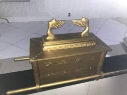 Arca da aliança dourada
