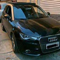 Audi A1 1.4 Turbo com Teto Solar - TOP - 2011