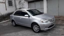 Toyota etios sedan ano 2013 motor  1.5 xs - 2013