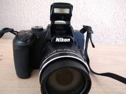 Nikon Coolpix B700 - 4k - Wi-fi - Bluetooth ( famosa que tira fotos da Lua )
