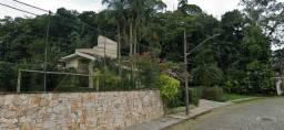 Espetacular terreno na rua Lages. 1980 m2. Ideal pra casa de fino trato. Centro