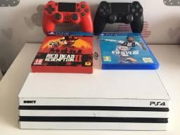 PlayStation 4 Pro + 2 Controles + 2 jogos + Skin branca Perfeito Estado!