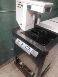 Máquina de picolé e sorvete de massa