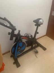 Bicicleta de Sppining/ semi nova