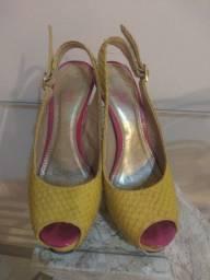 Sapato WJ tamanho 34..35 reais