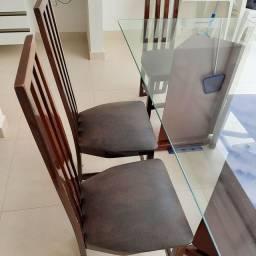 Mesa de vidro com 06 cadeiras