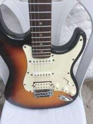 Guitarra blindada + amplificador meteoro