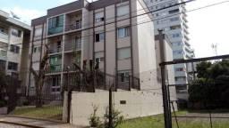 Amplo apartamento em região central