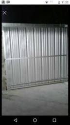 Portão de alumínio com fechadura trilho e olho mágico