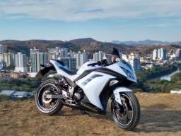 Kawasaki ninja 300 100% original,sem detalhes.