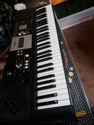 Vendo teclado com tripe e capa aceito brick