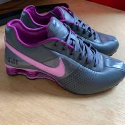Tênis Nike Shox original Cinza com roxo