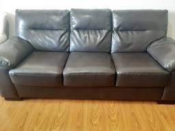 Sofá de couro legítimo