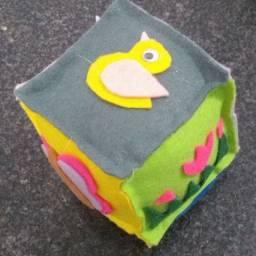 Dado educativo de feltro - brinquedo educativo