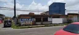 Terreno de esquina com edificação na cidade nova VI