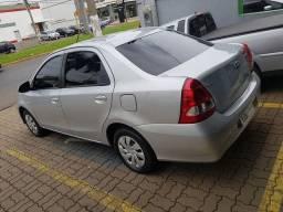 Vendo Toyota Etios Sedan semi novo completo