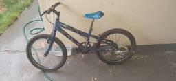 Bicicleta usada para criança