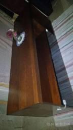 Rack de madeira com porta em MDF preta