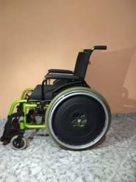 Cadeira de rodas tamanho 46