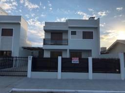 Casa com piscina a 1 quadra do mar- Torres
