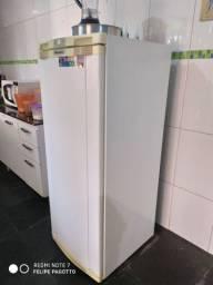 Vendo geladeira 270l bem conservada