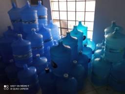 Vendo garrafões de água 20l