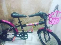 Bicicleta de marcha.  Linda da minnie com cestinha top