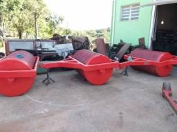 Rolo compactador e destorroador modelo 03 secções