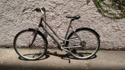 Bicicleta urbana Giant aro 700, frente baixa, excelente! (Dá banho em Caloi!)