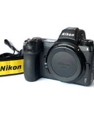 Camera Nikon Z6 impecavel, com apenas 4.100 cliques