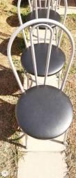 Cadeiras bem conservada,