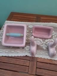 Kit para banheiro cerâmica rosa
