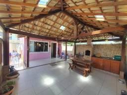 Linda casa independente 3 quartos e churrasqueira Jardim Marilea