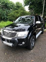 Hilux SRV turbo DIESEL 2015 limited edition 4x4 (interior caramelo)