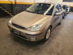Ford Focus Sedan Guia automático c/teto top novo d+ Sem entrada+48x
