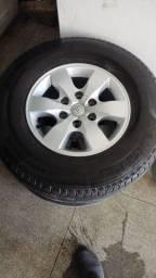 Jogo de rodas com pneus da Hillux aro 16