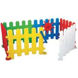 Cercadinho tradicional com 6 peças - Freso Brinquedos - Black Friday