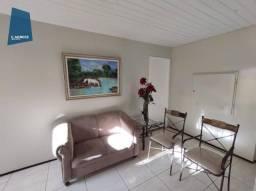 Apartamento com 3 dormitórios para alugar, 70 m² por R$ 1.000,00/mês - Parquelândia - Fort