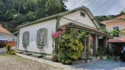 Casa à venda com 4 dormitórios em Centro, Petrópolis cod:2738